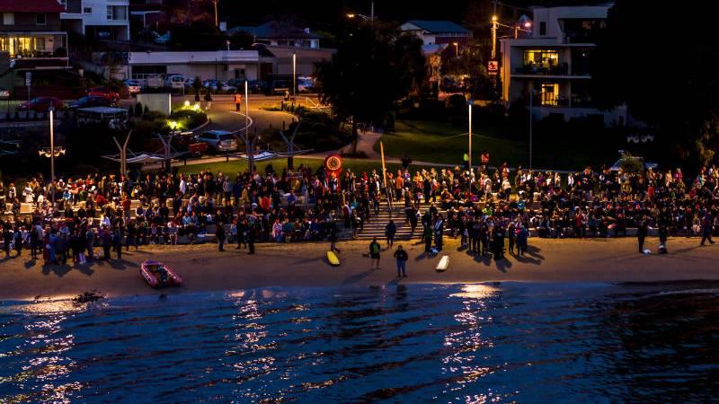 Hardy souls go nude for record Dark Mofo swim | The